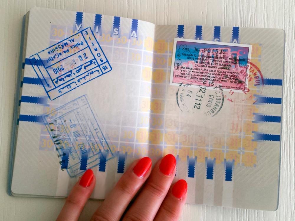 Paspoort met stempels