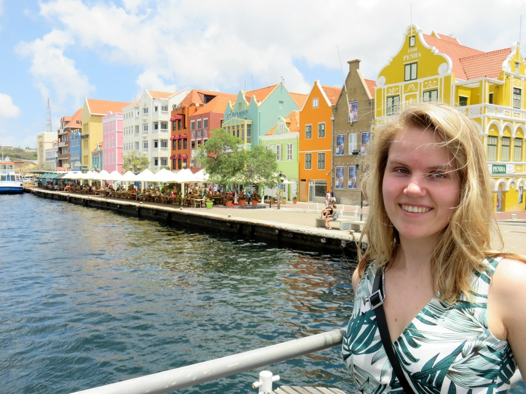 photo willemstad-curacao.jpg