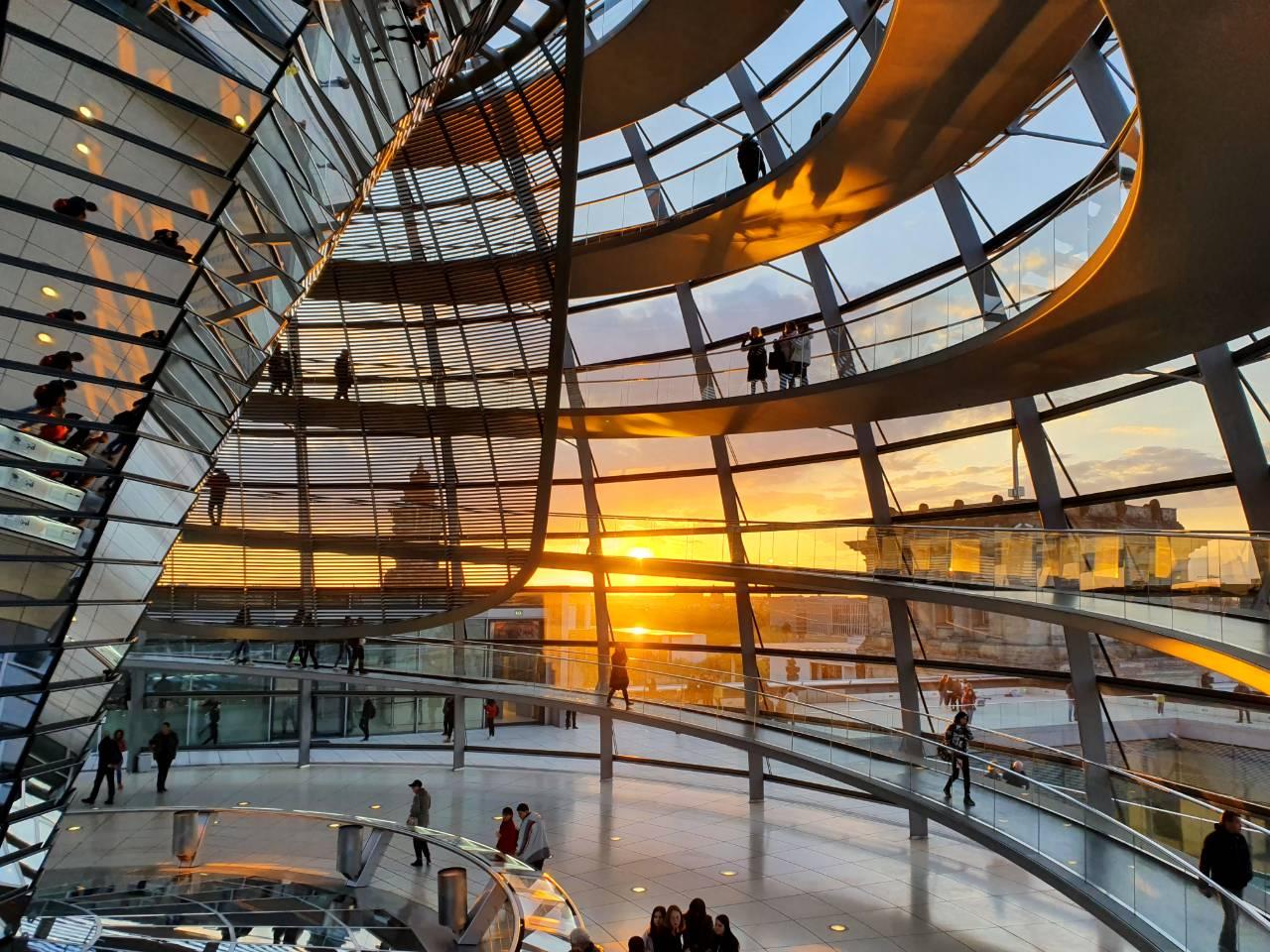 Wat te doen in Berlijn? Reichstag beklimmen